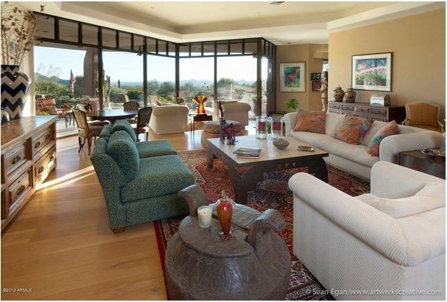Desert Highlands' Luxury Estate