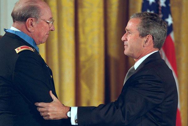 Vietnam War: He earned the Medal of Honor, died - Few Noticed.